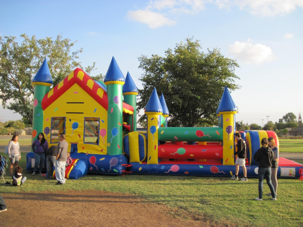 Party Balloon Theme Obstacle Course wi 15 X 15 Bounce House with Basketball Hoop!!! $195.00 All Day 15 Wide 37 Long 15 High